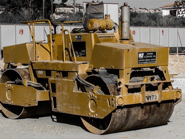 車両系建設機械【締固め建設機械ローラーについて詳しく説明します】